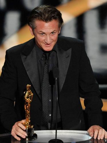 Sean Penn at The Oscars 2009