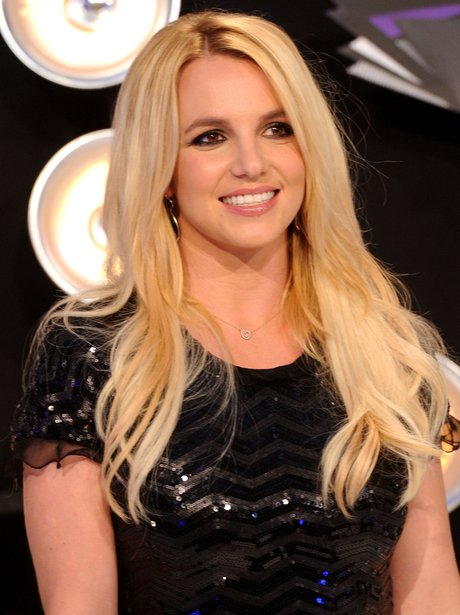 who is britney spears dating 2011