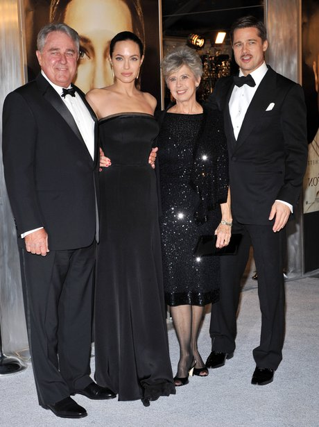 Brad and Angelina with his parents