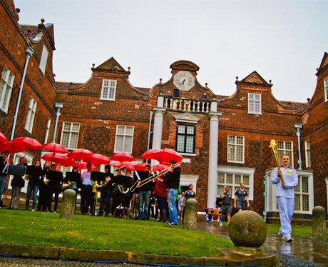 Olympic Torch: Christchurch Mansion