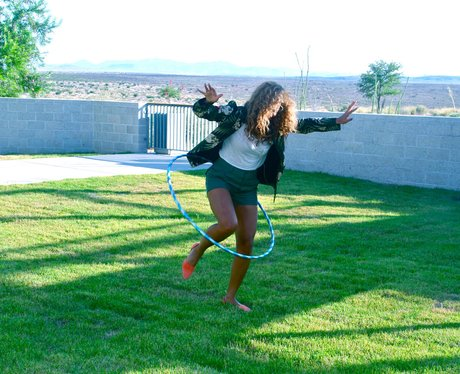 Beyonce hula hoops