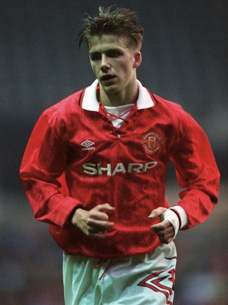 David Beckham signs for Manchester United