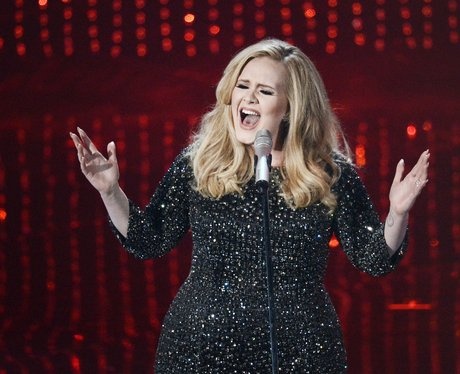 Adele performs at the Oscars 2013