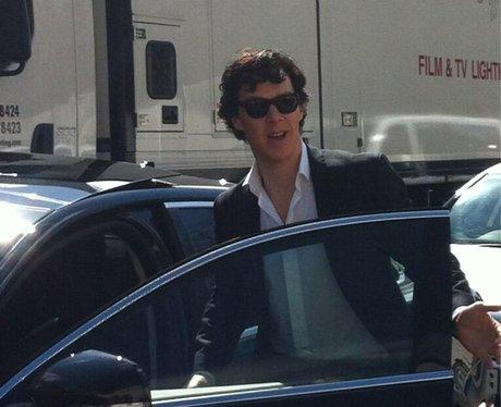 Cumberbatch arriving on the set of Sherlock. @milli_artist on Twitter