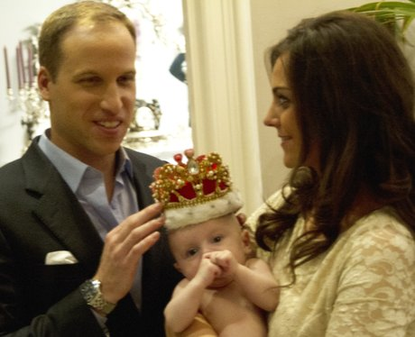 Prince William and Kate Middleton cuddle Prince George