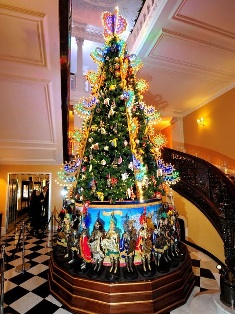 christmas tree at claridge's
