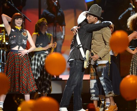 Pharrell and Nile Rodgers BRIT Awards 2014 Performa