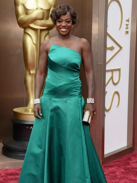 Viola Davis at the Oscars 2014 red carpet