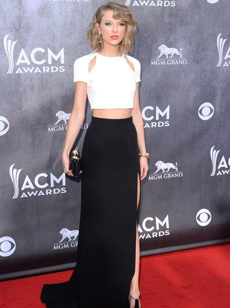 Taylor Swift at the CMA Awards 2014