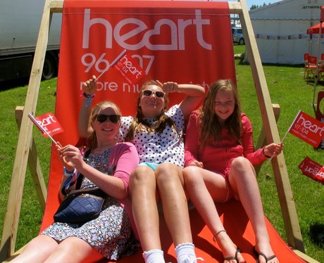 Did you see the Heart Angels and their giant deckc