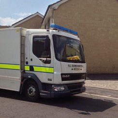 Bomb disposal team in Frome