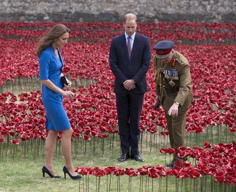Kate Middleton laying flowers