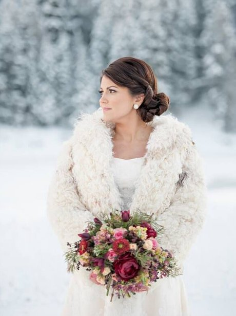 The most beautiful winter wedding dresses heart a winter bouquet is all about richly dyed blooms junglespirit Images