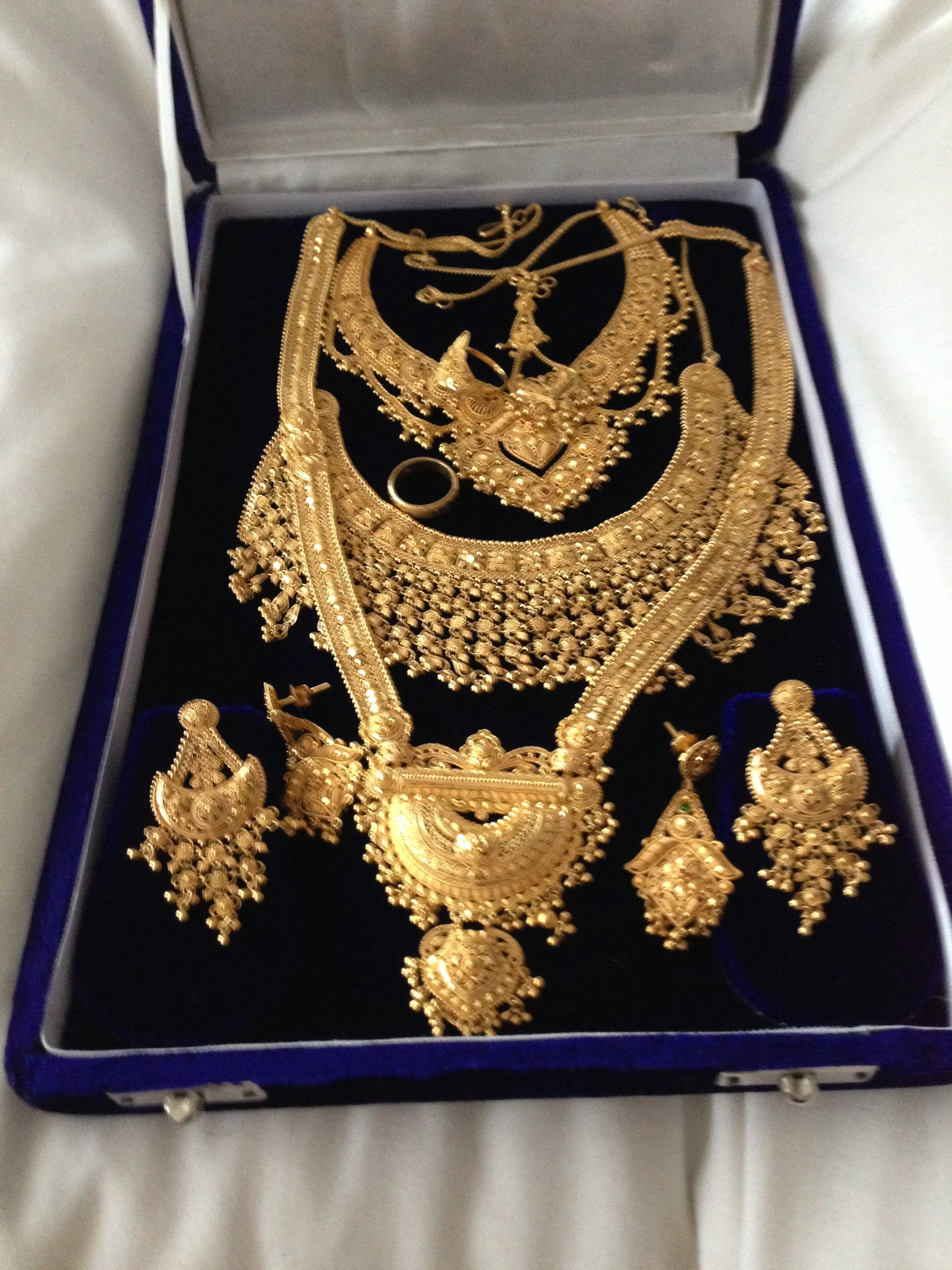 Jewellery stolen in Rickmansworth