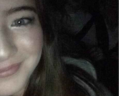 club Classic Selfie -  Lizzie