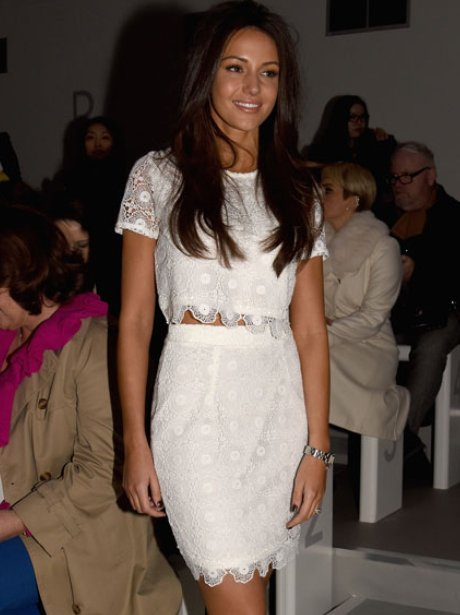 5 wedding dresses we 39 d love to see michelle keegan walk for Michelle keegan wedding dress
