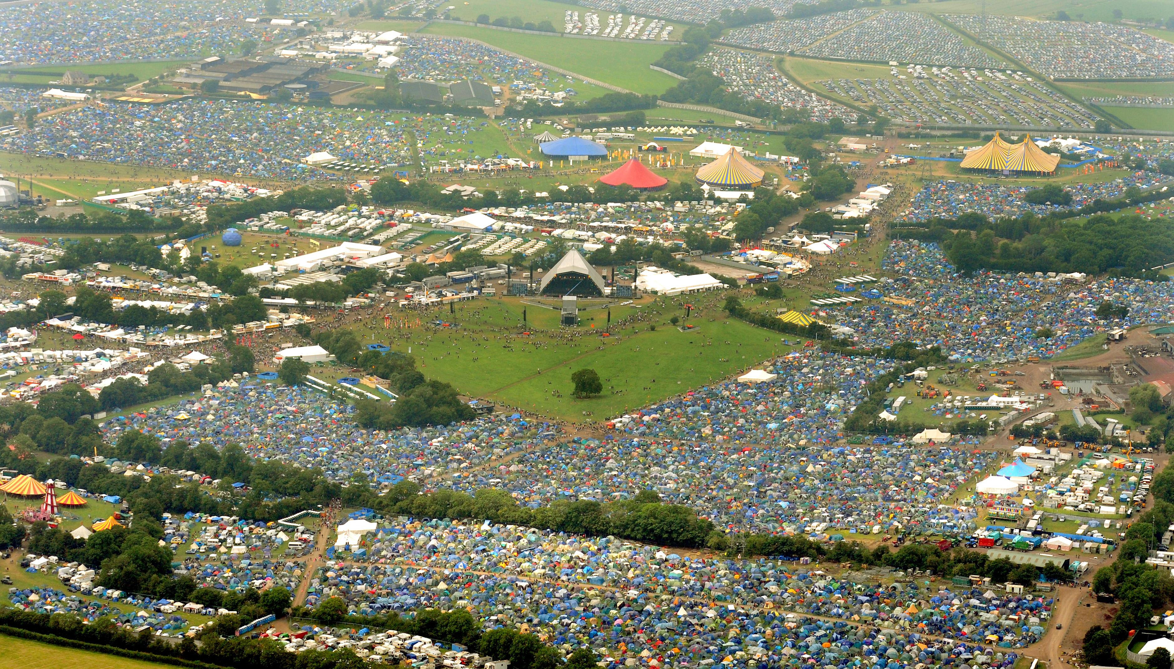 Glastonbury Festival Pyramid Stage Video 2009