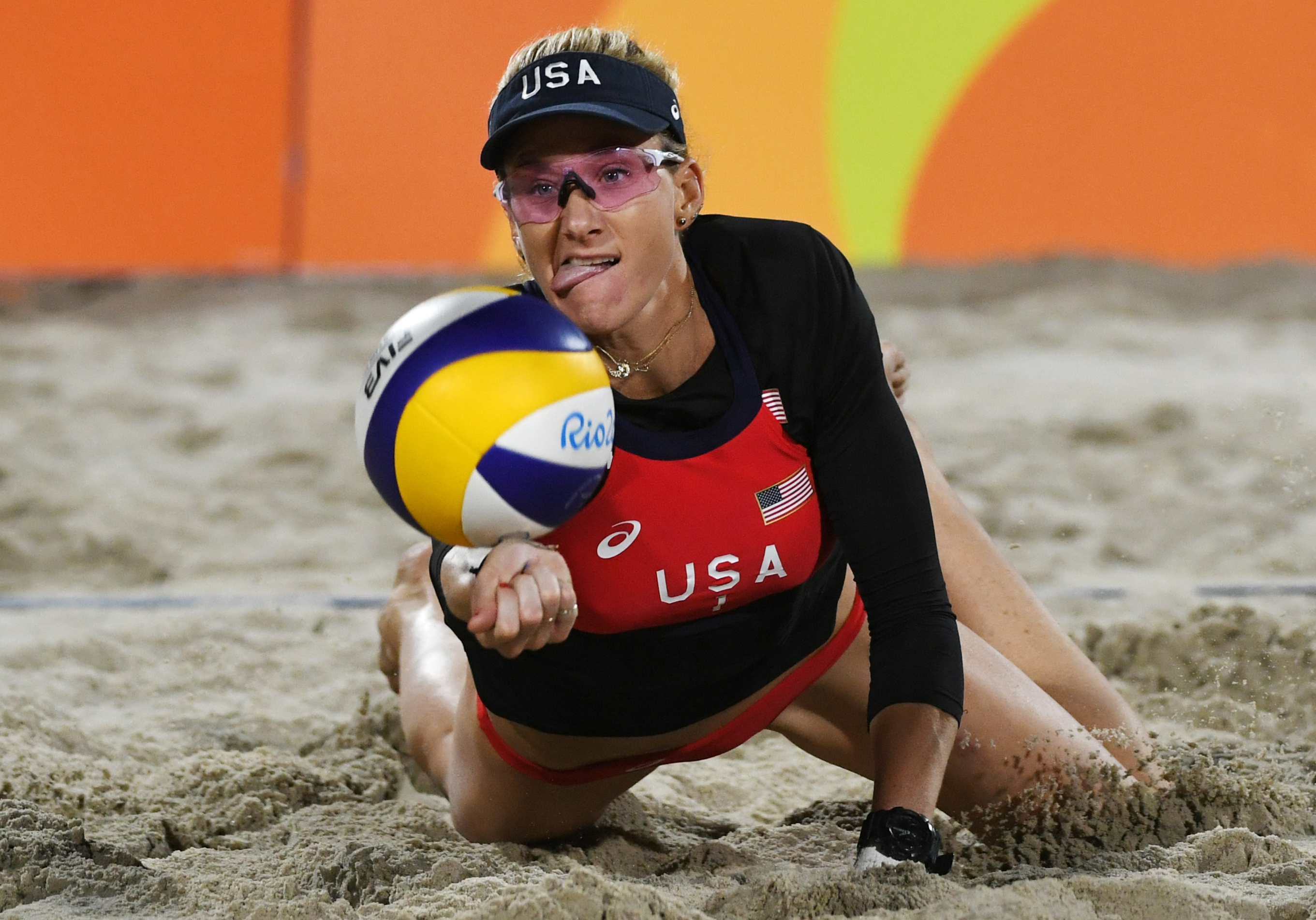 funny beach volleyball face