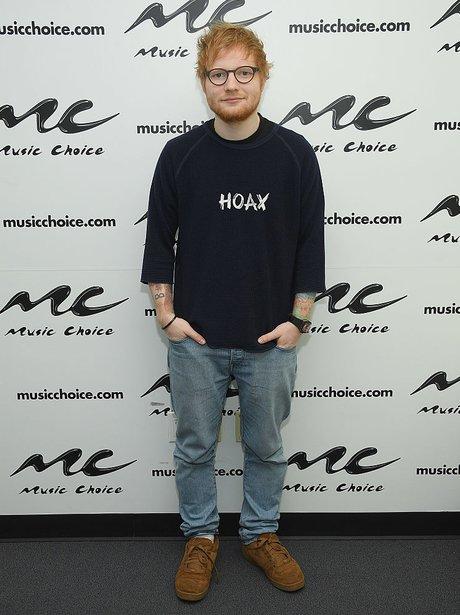 Ed Sheeran Shows Off His 3.5 Stone Weight Loss!