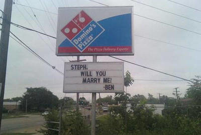 Proposal on a Dominos Sign