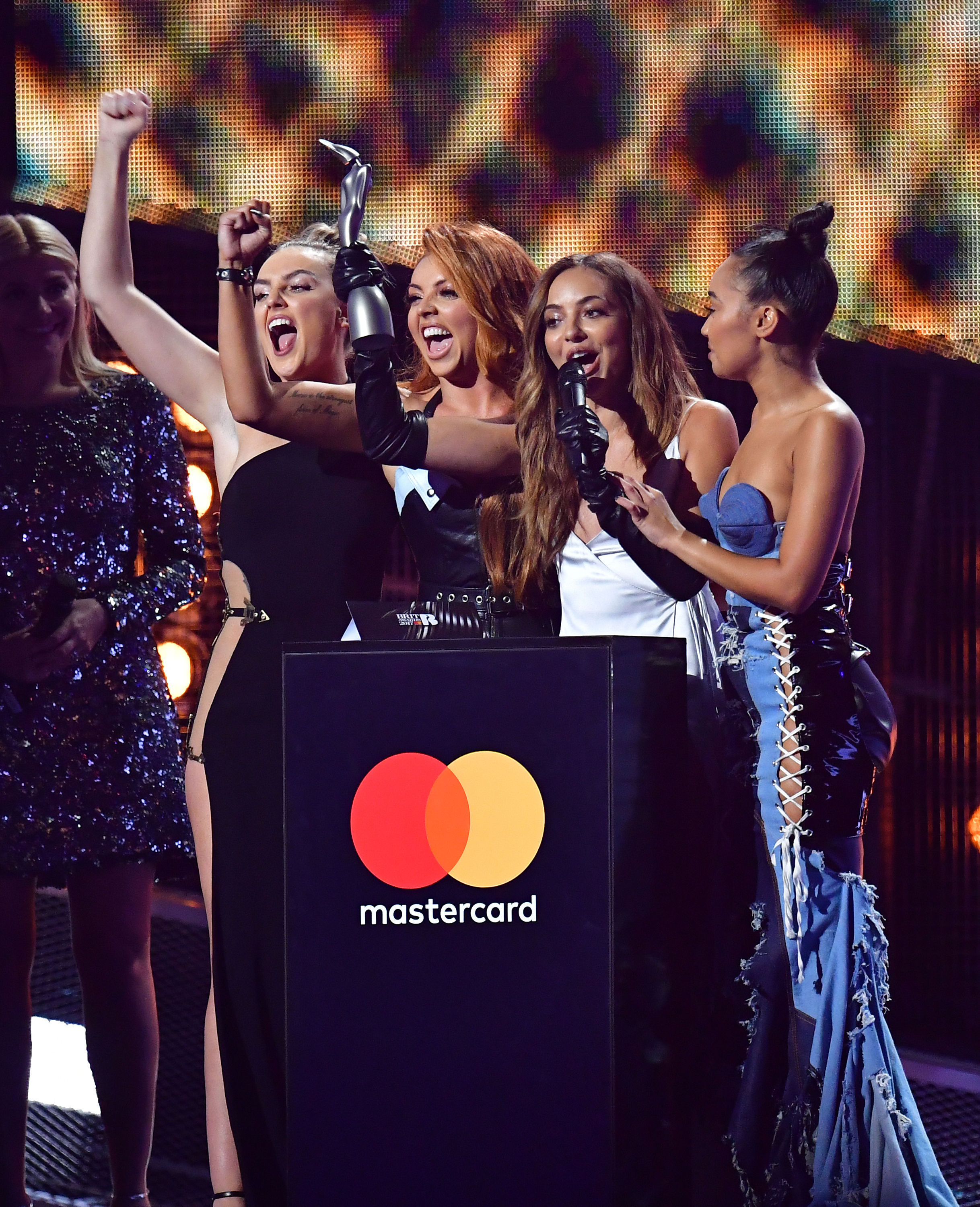 Little Mix BRITs 2017 WINNER British Single