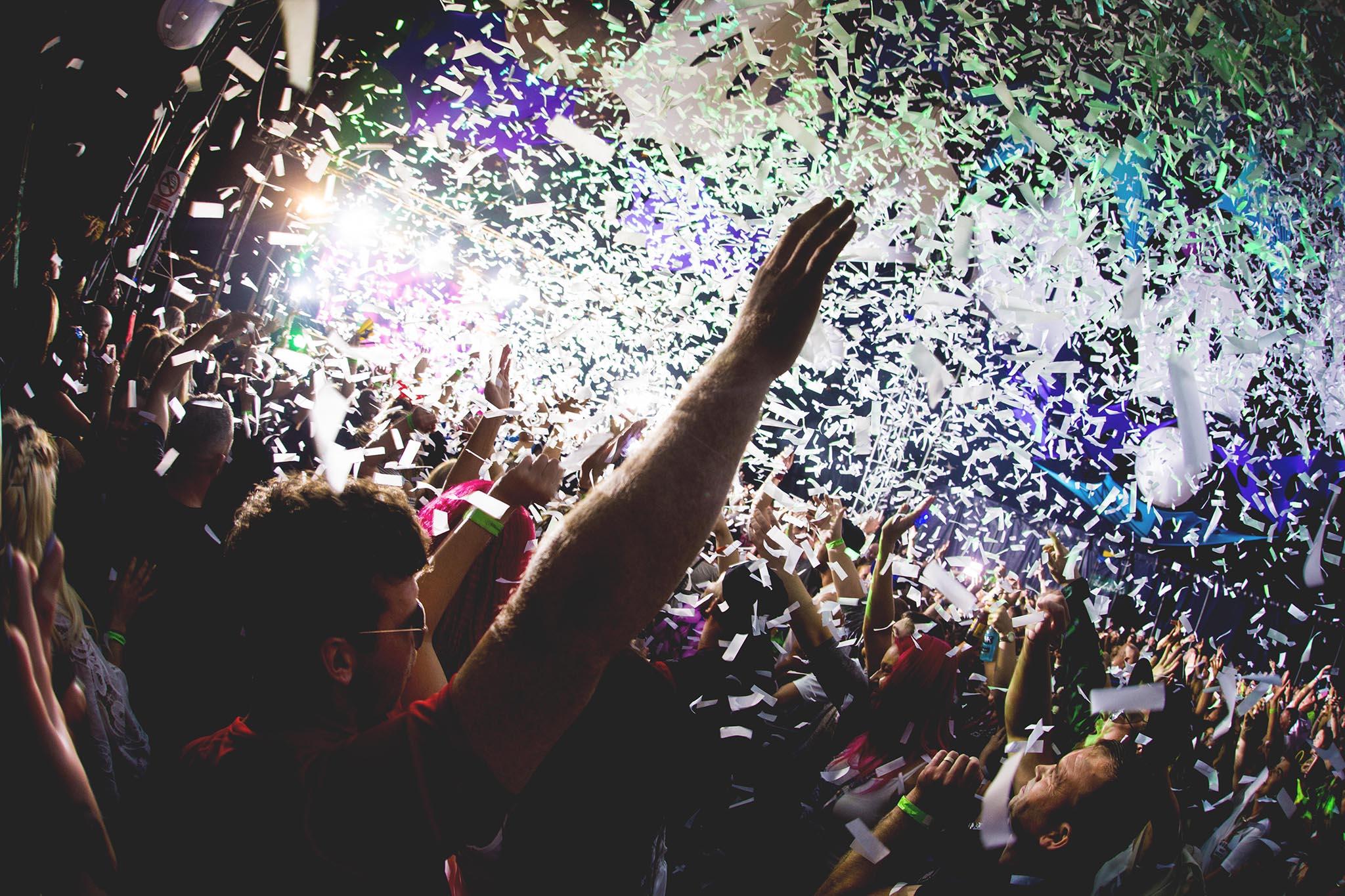 Reminisce Crowd Confetti