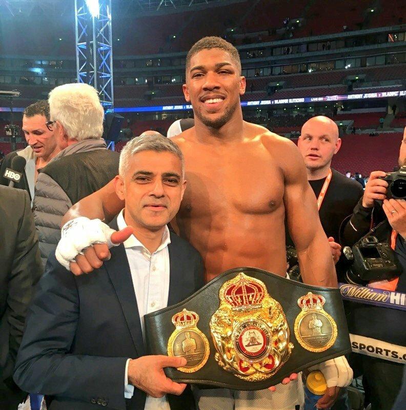 Sadiq Khan and boxer