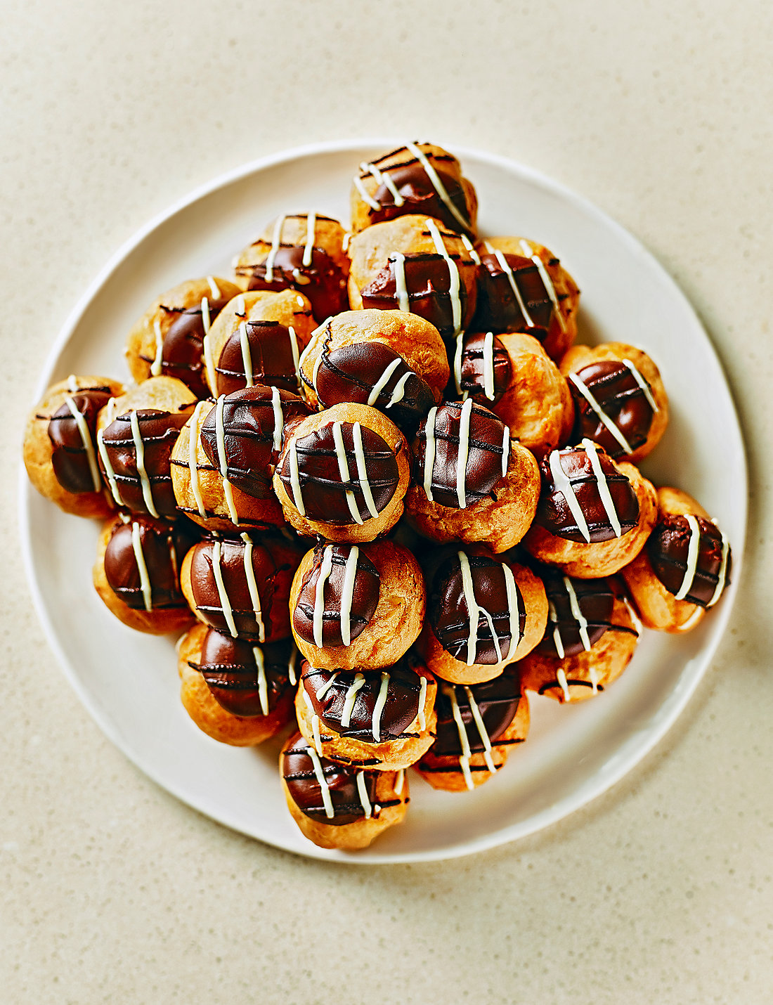 Profiterole Stack M and S