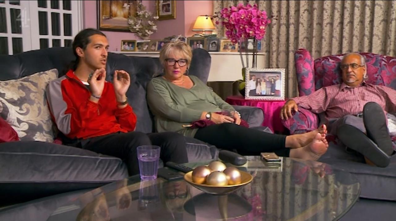 Viewers are freaking out over gogglebox 39 s michaels family for Channel 4 living room ideas