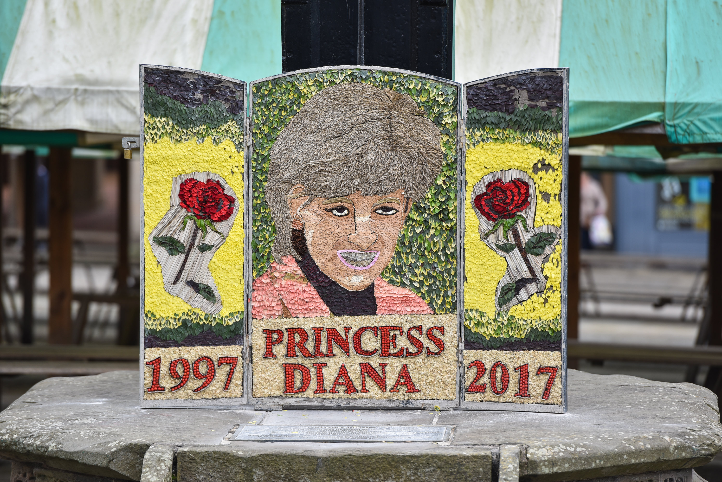 Floral memorial to Princess Diana