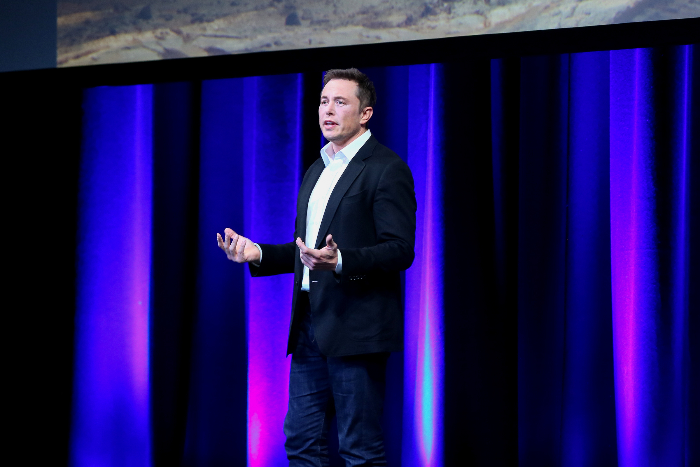 Elon Musk has postponed the presentation of the Tesla truck Semi