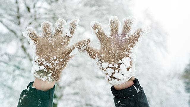 snow, snow hands, gloves