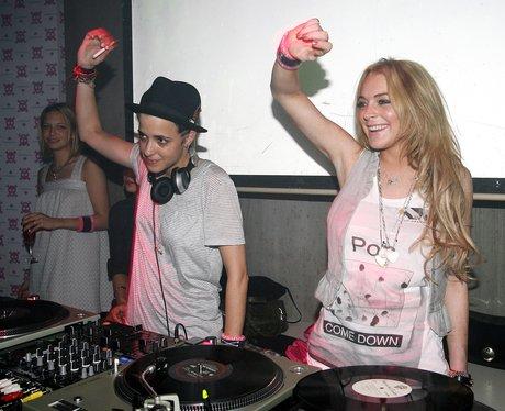 Samantha Ronson & Lindsay Lohan Djing