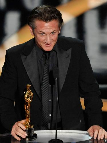 Sean Penn at The Oscars 2009