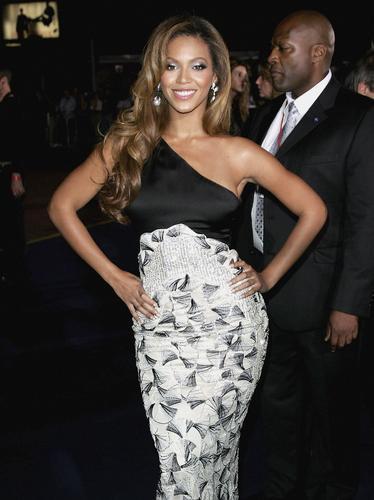 Beyoncé at London Fashion Week