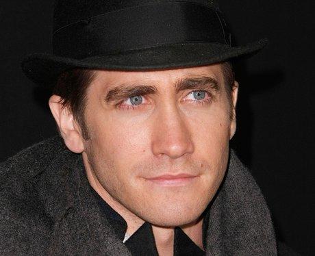 Jake Gyllenhaal looks hot in a hat