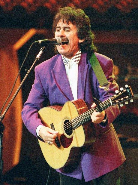 George Harrison dies 2001