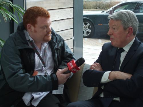 Alan Johnson speaks to Heart