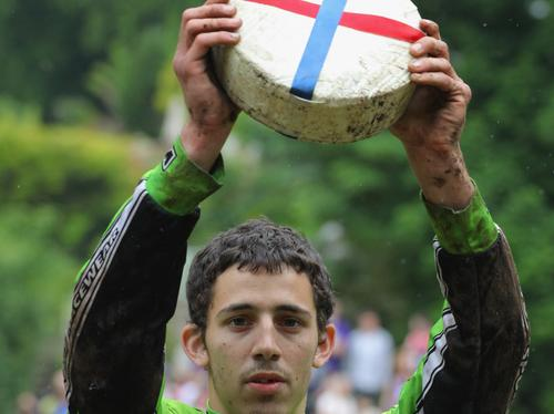 Cheese rolling 2009