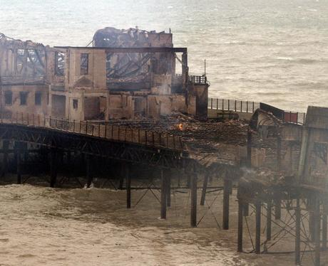 Fire at Hastings Pier