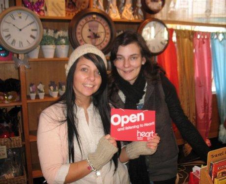 Open/Close door signs in Folkestone
