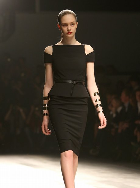 Amanda Wakeley Fall 2011 show