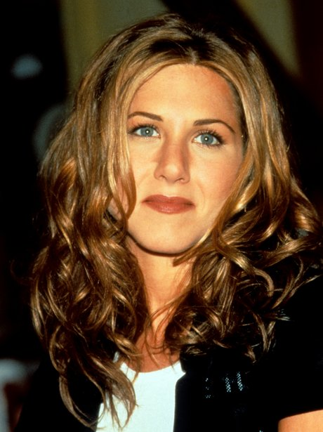Jennifer Aniston With Curly Hair Changing Styles Jennifer