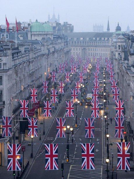 Londons Regent Street bunting