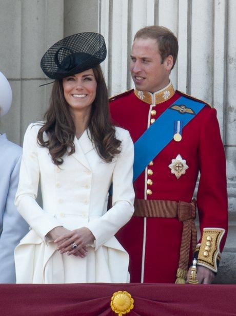 kate middleton and prince william on buckingham palace balcony