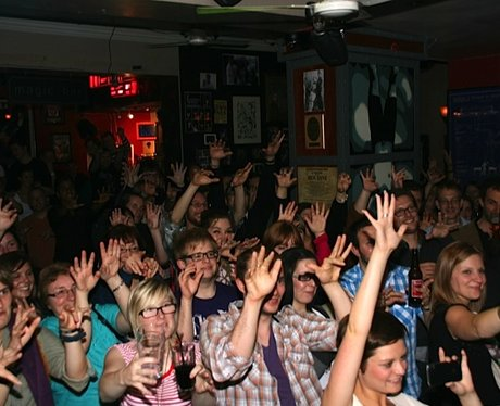 The crowd enjoy the magic!