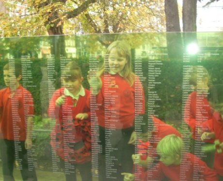 Unveiling of 8 glass walls with 2000 names of our