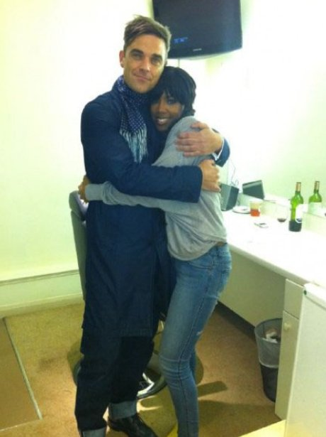 Kelly Rowland and Robbie Williams on Twitter