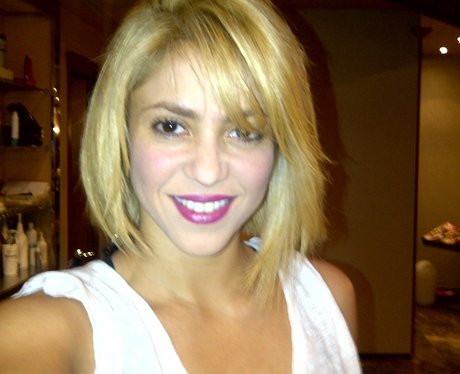 Shakira on Twitter with short hair