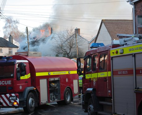 Thatched cottages on fire in Crediton